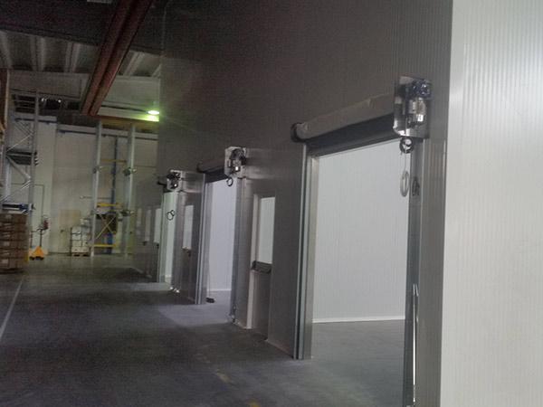 Pannelli-isolanti-REI-scorrevoli-capannoni